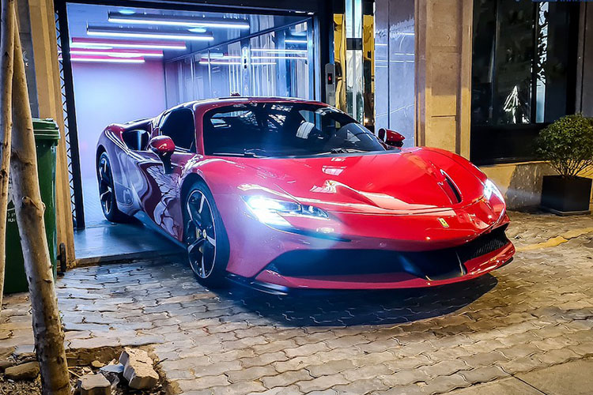 Ferrari SF90 Stradale dau tien tai Viet Nam rao ban duoi 30 ty?-Hinh-3