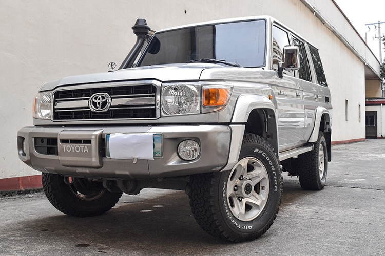 Can canh Toyota Land Cruiser co dien boc giap, khoang 1,3 ty dong