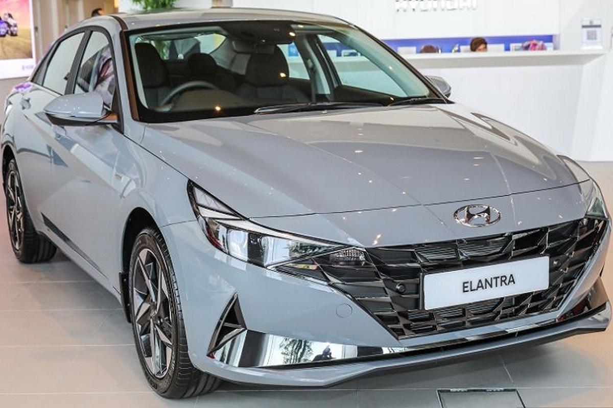 Can canh Hyundai Elantra 2021 chi tu 767 trieu dong tai Malaysia