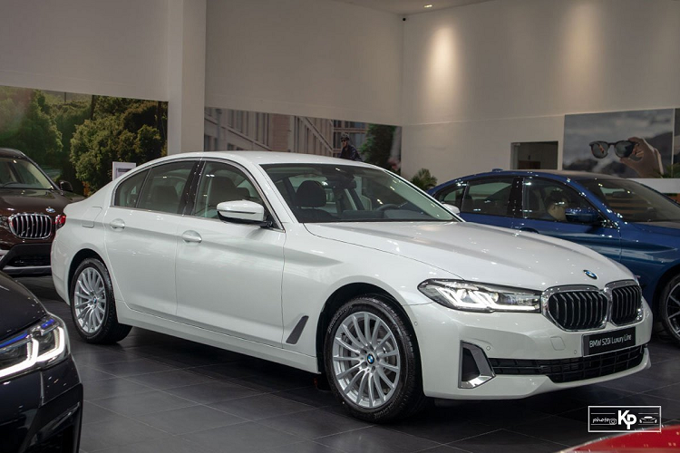 Can canh BMW 520i Luxury Line 2021 hon 2,4 ty dong tai Viet Nam-Hinh-12