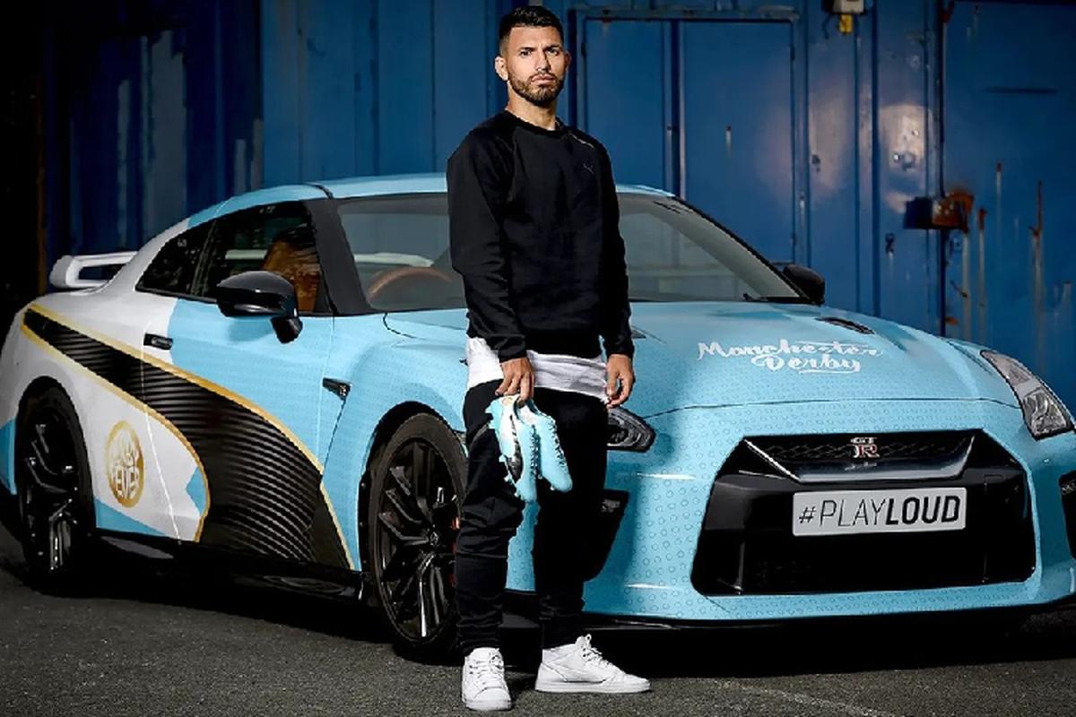Dan sao Manchester City vua vo dich ngoai hang Anh di xe gi?