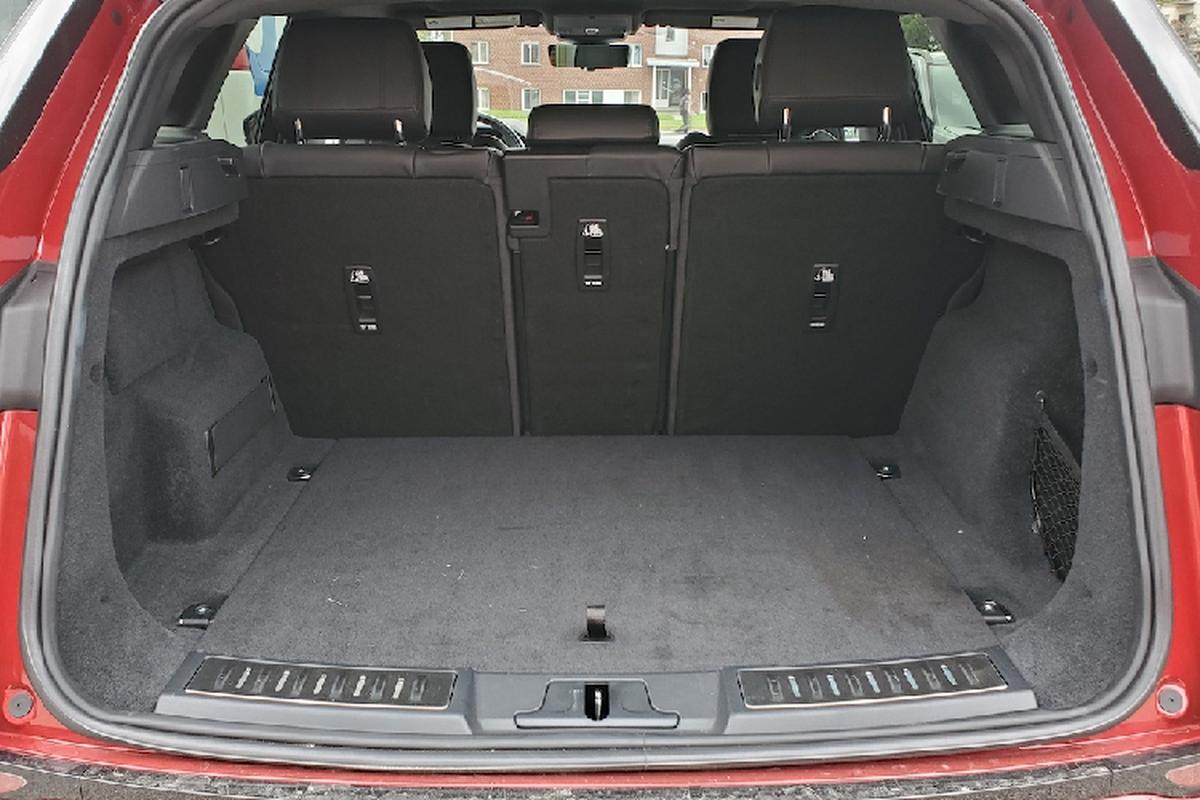 Range Rover Evoque P300 HST hang sang khoi diem 1,63 ty dong-Hinh-7