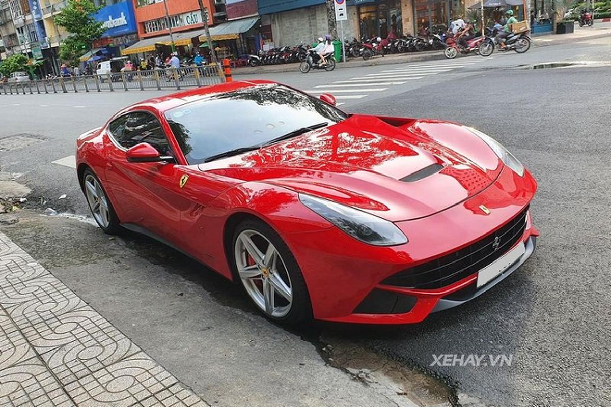 Ferrari F12 Berlinetta 10 years old o Vietnam van