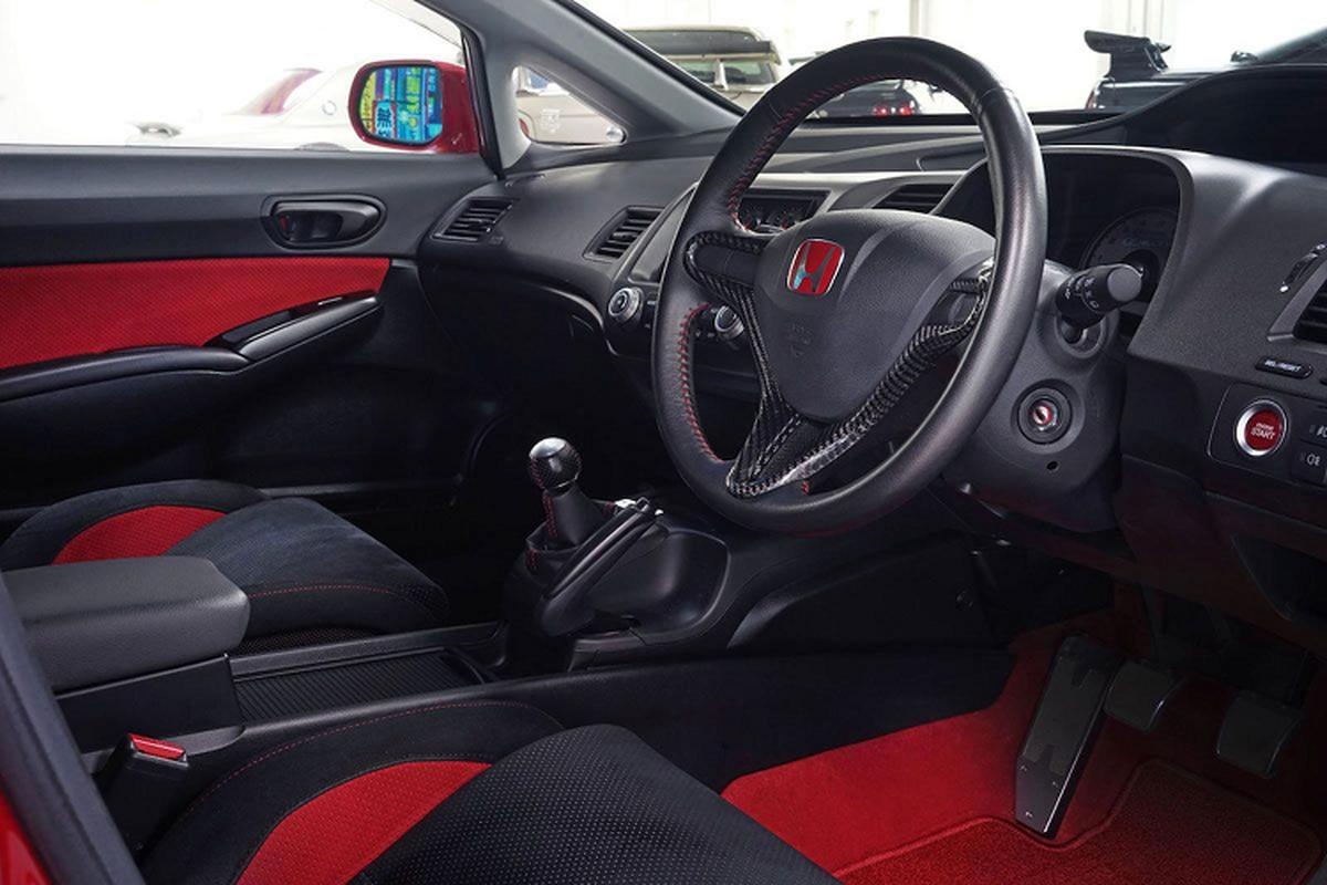 Honda Civic Type R chay 14 nam, van co gia hon 2,92 ty dong-Hinh-6