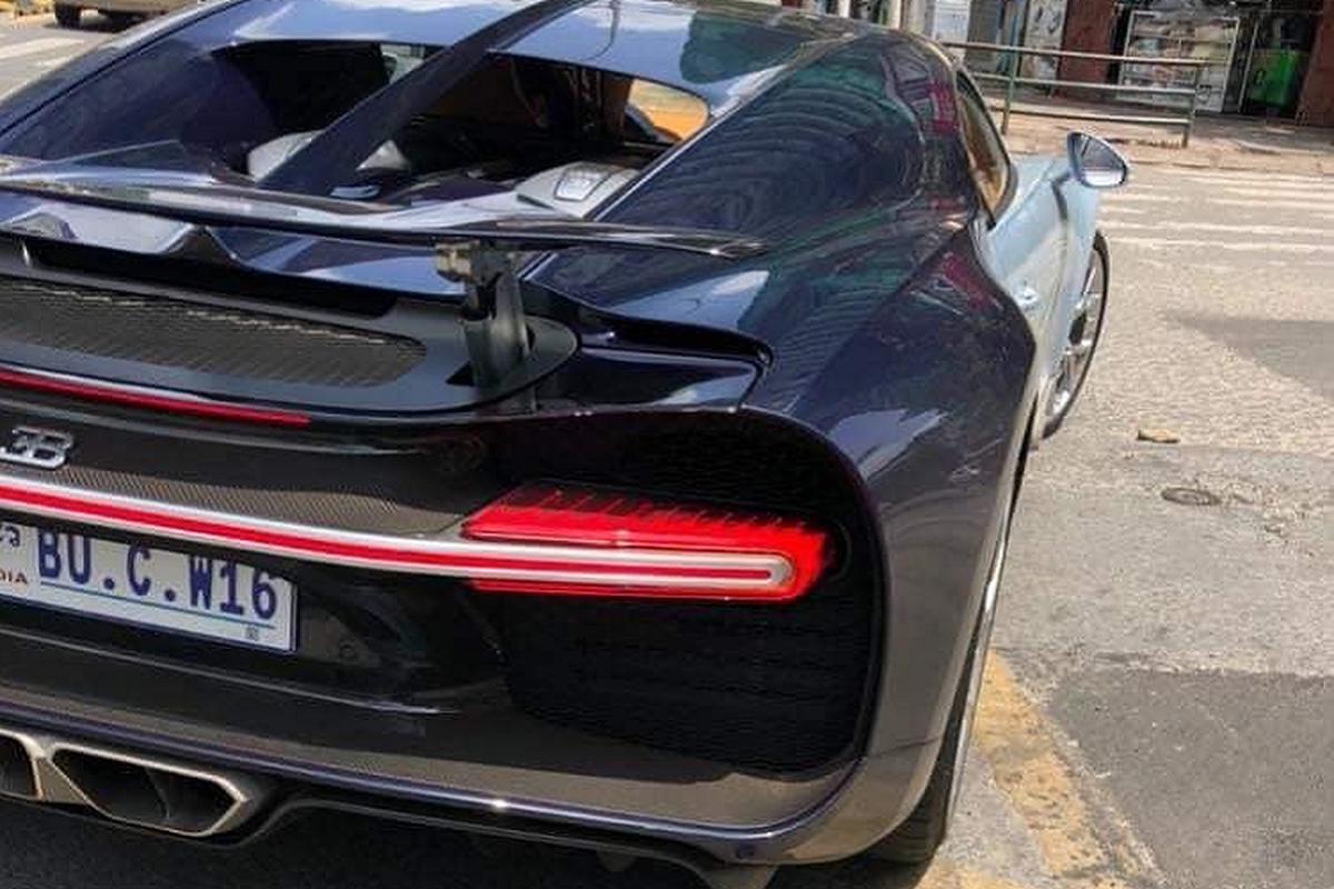 Bugatti Chiron trieu do ra bien so