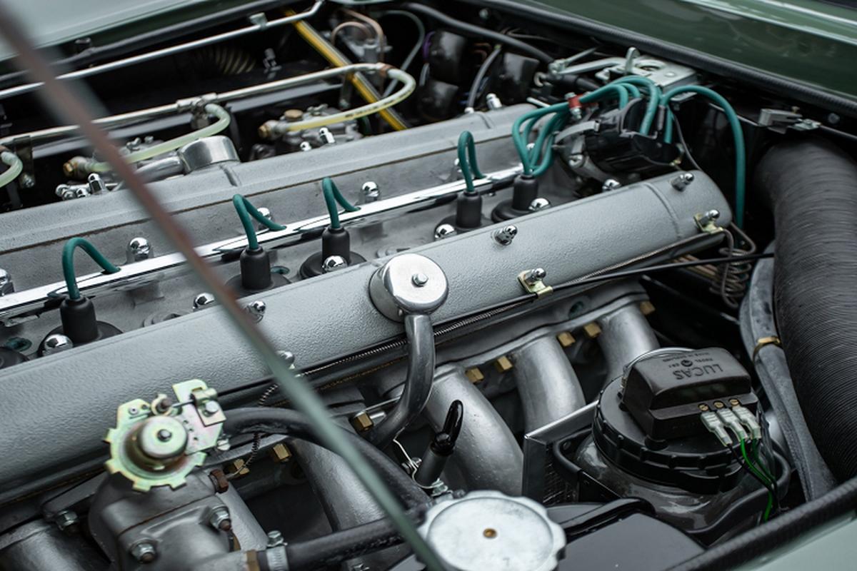 Ba chiec xe Aston Martin DB5 doi co nay ban hon 129 ty dong-Hinh-3