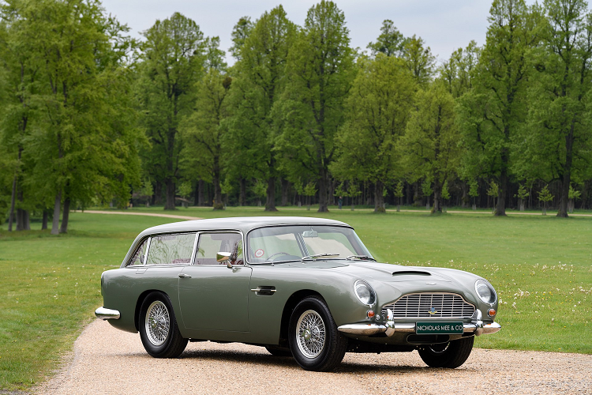 Ba chiec xe Aston Martin DB5 doi co nay ban hon 129 ty dong-Hinh-5