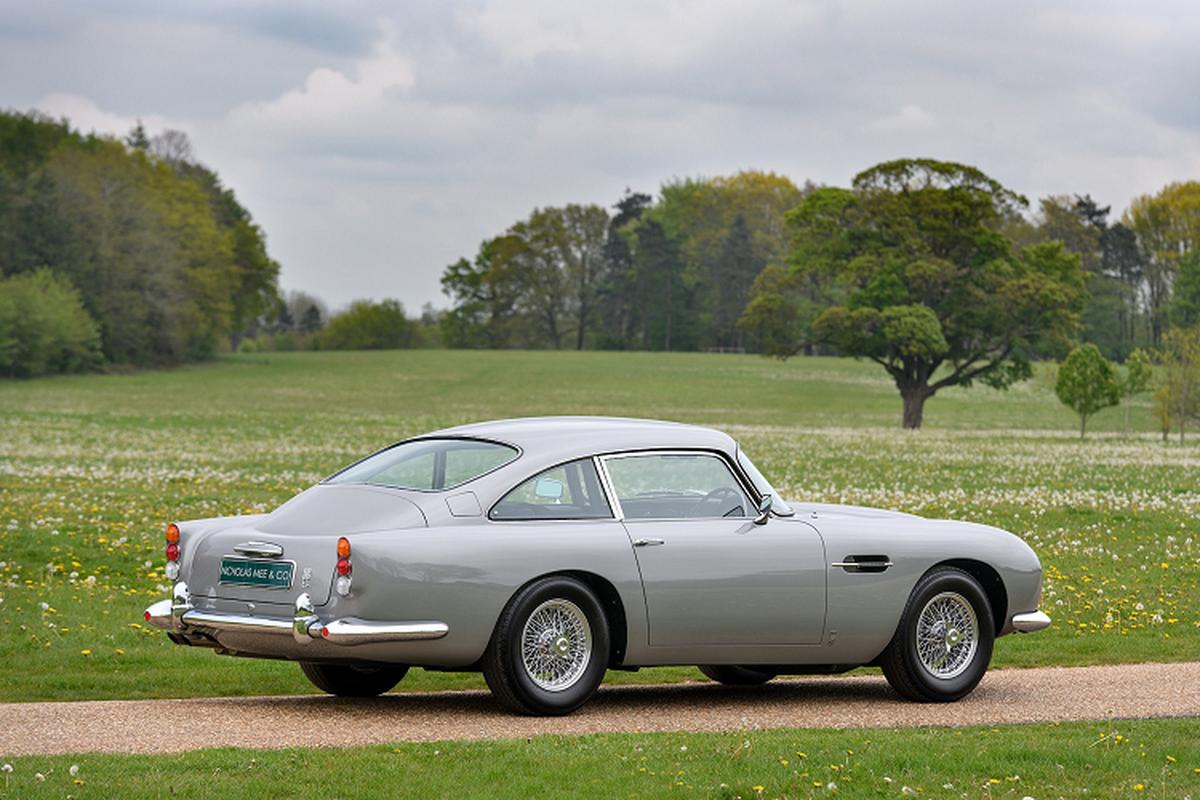 Ba chiec xe Aston Martin DB5 doi co nay ban hon 129 ty dong-Hinh-8