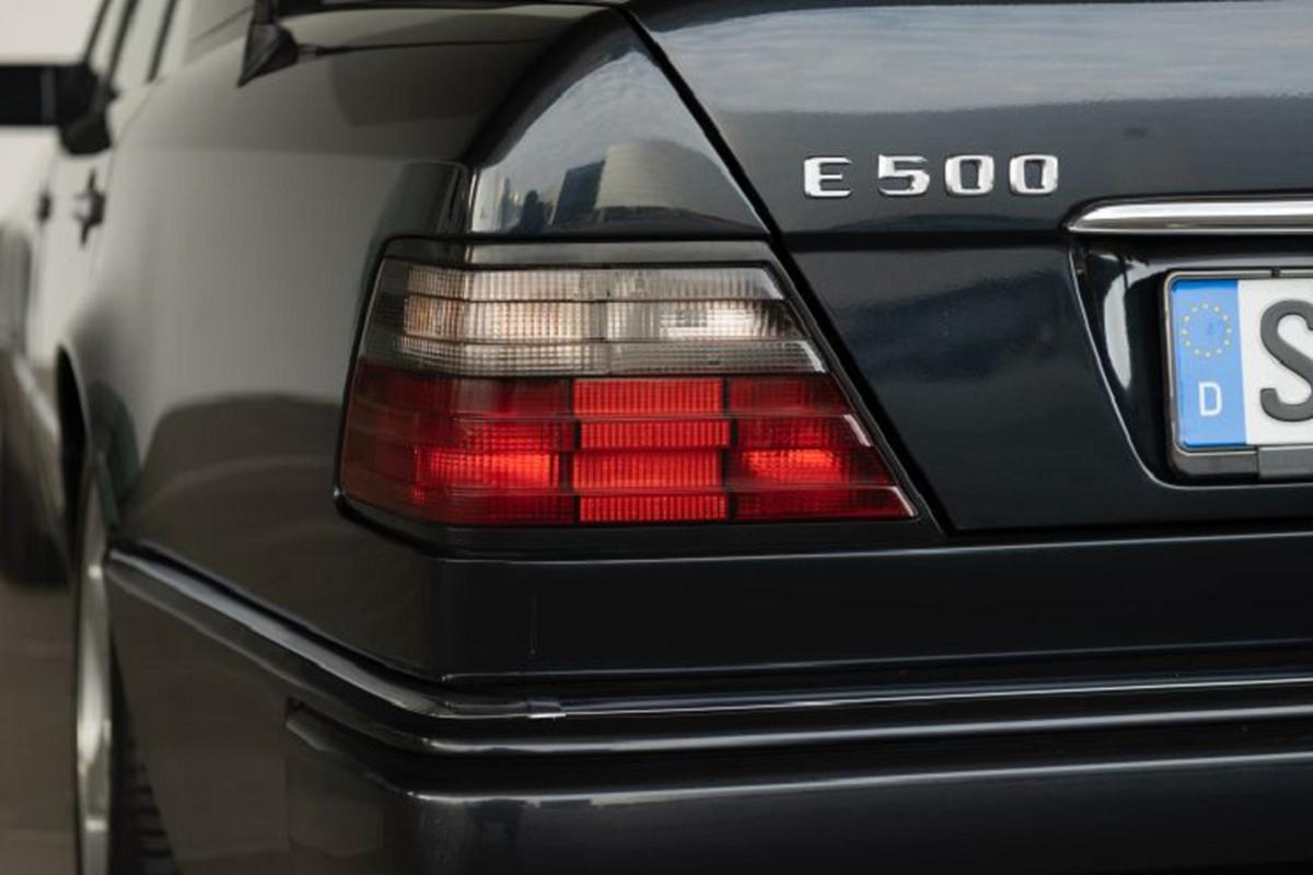 500 E -