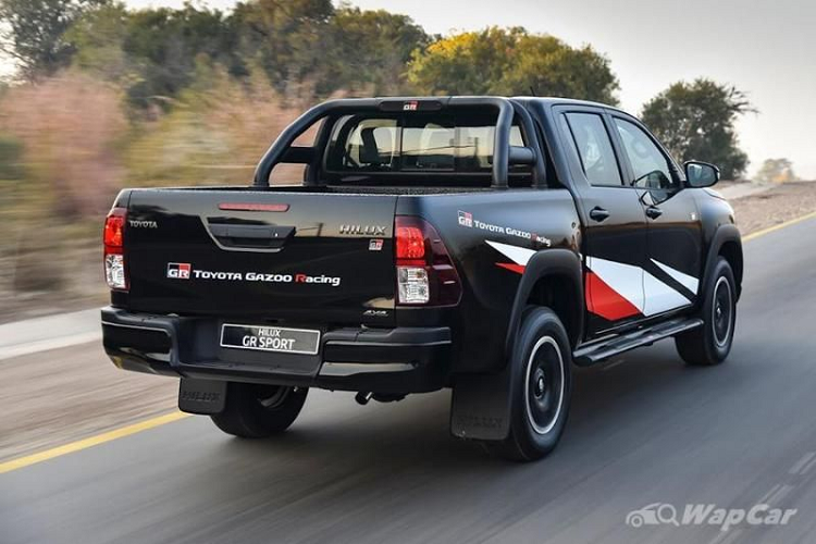 Chi tiet ban tai the thao Toyota Hilux GR Sport 2021 moi-Hinh-7