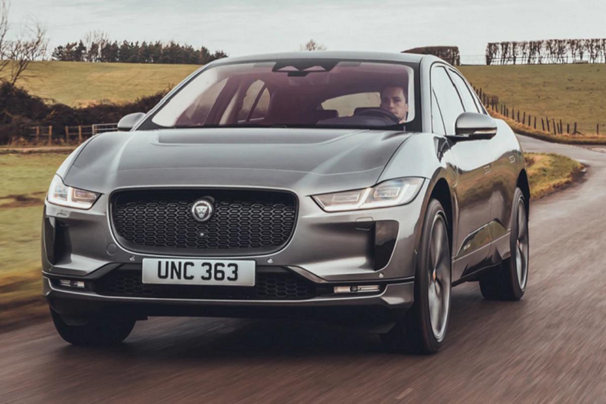Jaguar I-Pace 2022 tu 1,6 ty dong, sac 15 phut chay duoc 100 km-Hinh-5