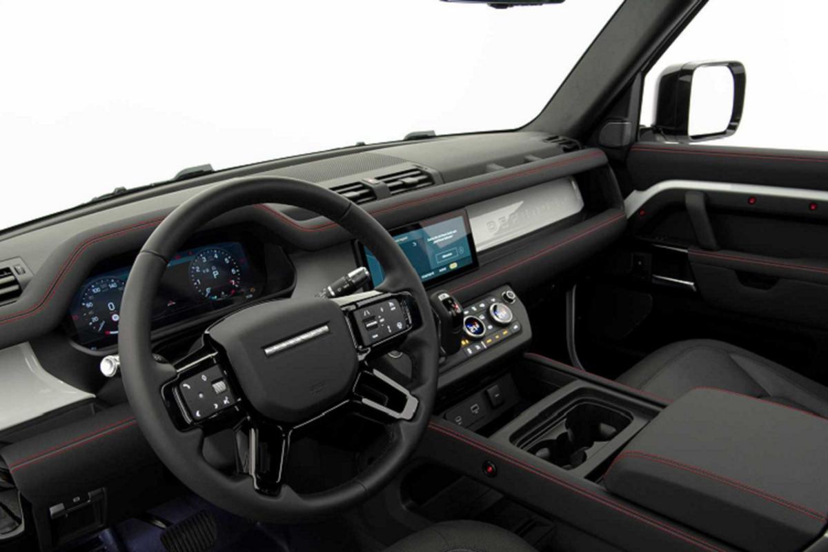 Chiec SUV hang sang Land Rover Defender ban do