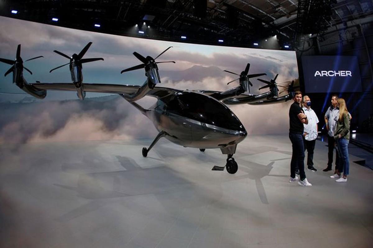 """Archer Maker - """"taxi bay"""" khong tieng on, nhe hon Tesla Model 3"""