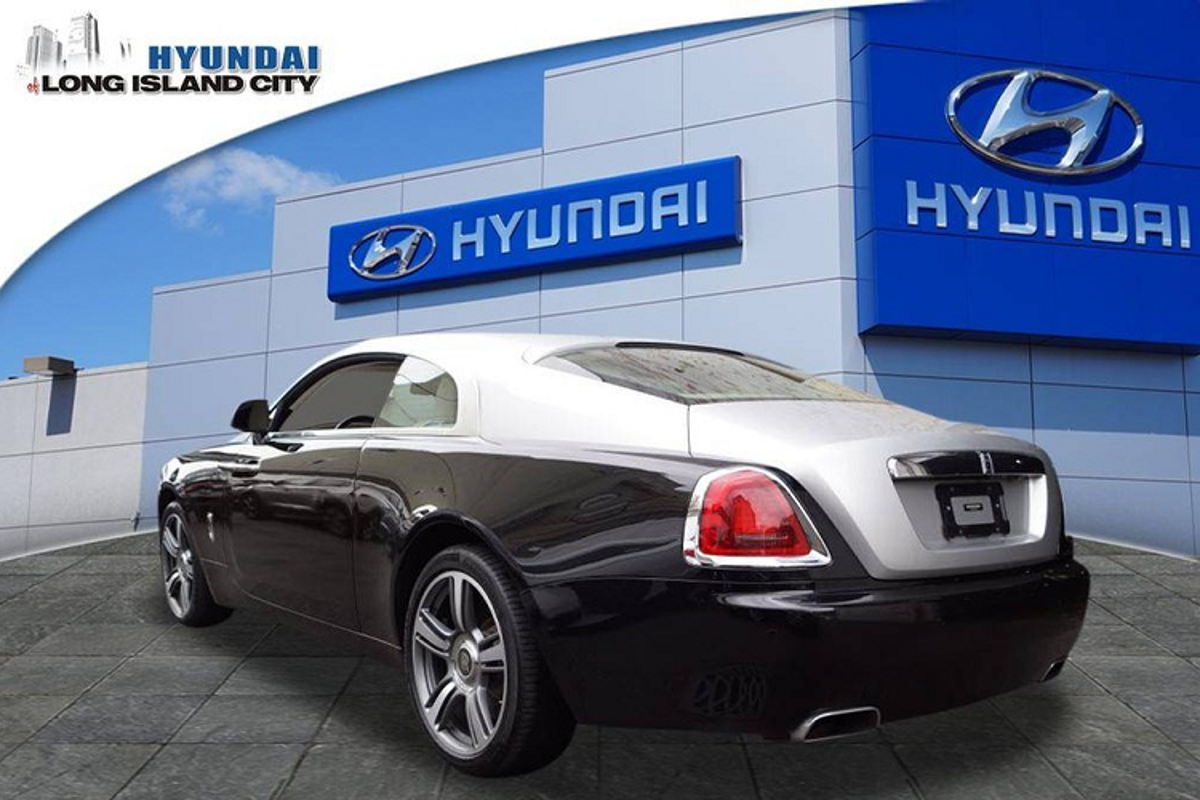 Dai ly Hyundai rao ban Rolls-Royce Wraith khien dan tinh to mo-Hinh-9