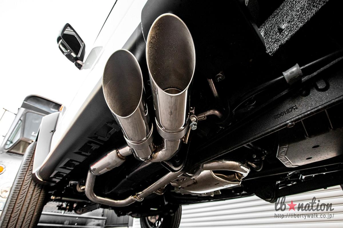 Suzuki Jimny lot xac thanh Mercedes G-Class nho Liberty Walk-Hinh-6