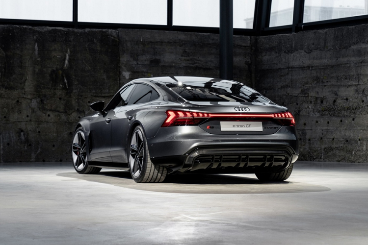 Audi e-tron GT mien phi 3 nam sac nhanh cho khach mua xe-Hinh-7