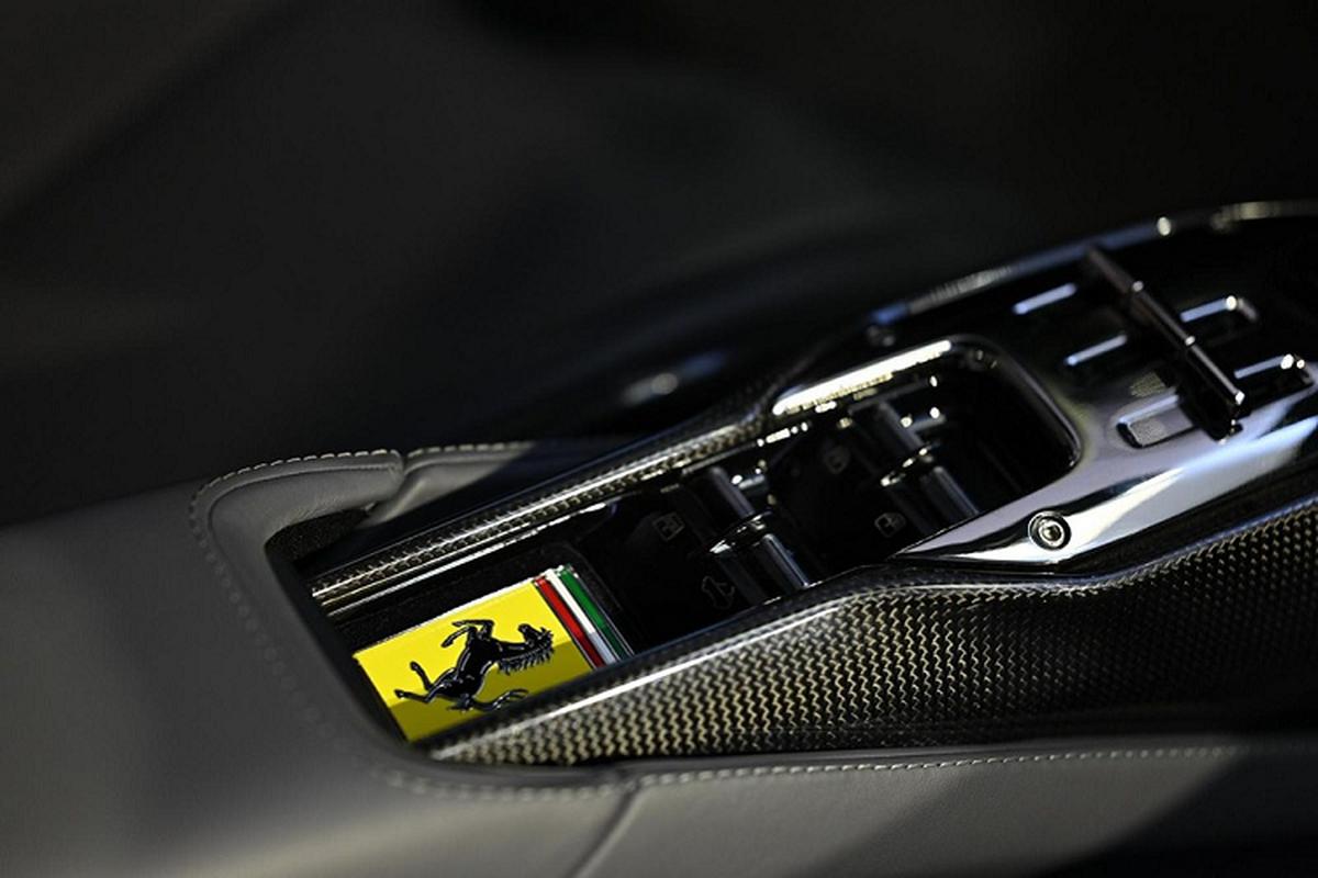 """Ferrari SF90 Spider """"ha canh"""" Thai Lan, chao ban hon 32 ty dong-Hinh-5"""