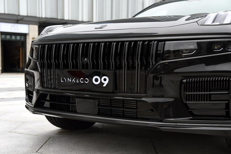 Lynk & Co 09 - SUV has 6 screens that say that-Hinh-2