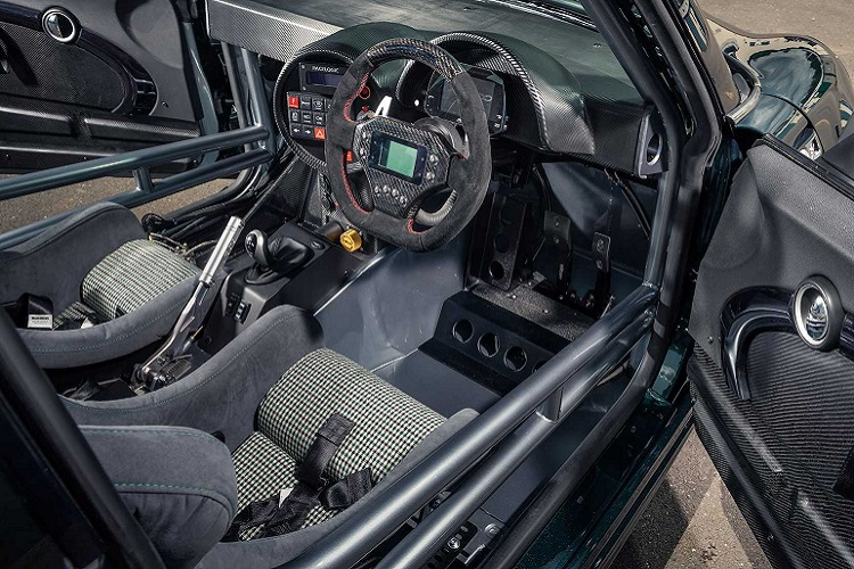 MINI Cooper manh 414 ma luc nho gan dong co V8 cua BMW M3-Hinh-8