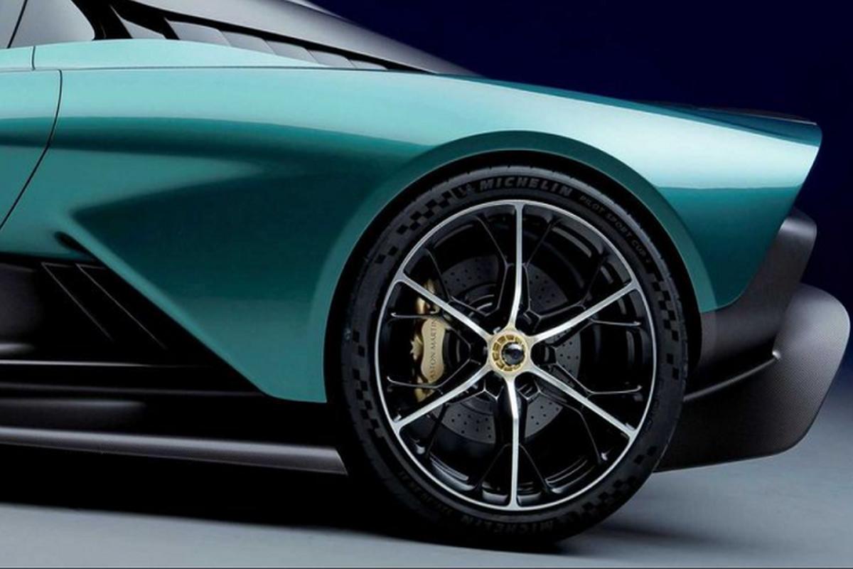 Aston Martin Valhalla hybrid moi - nhanh, nhe va tiet kiem hon-Hinh-2