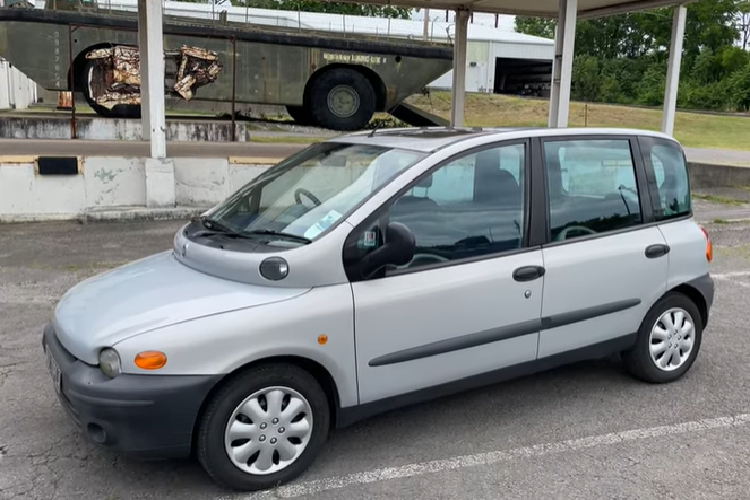 Fiat Multipla - the world's fastest and most expensive family car - Hinh-4
