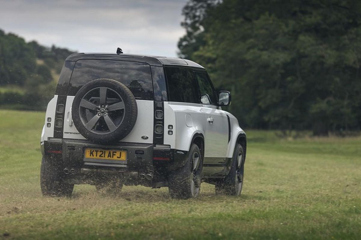 Danh gia Land Rover Defender V8 2022, tu hon 2 ty dong-Hinh-8