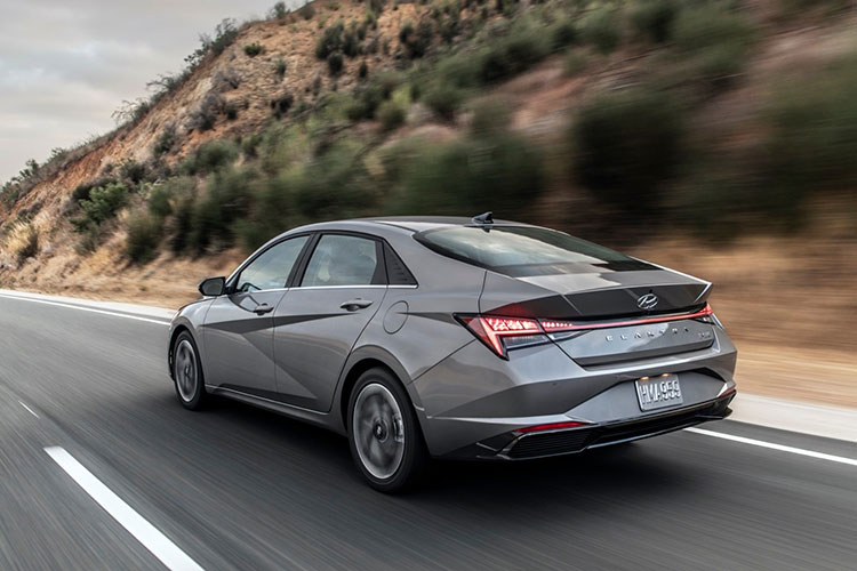 Hyundai Elantra hybrid tu 565 trieu dong, co tiet kiem nhien lieu?-Hinh-9