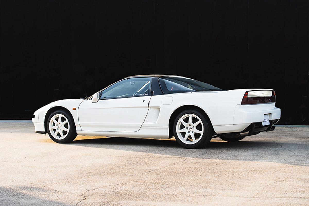 Honda NSX-R doi 2002 ban 408.000 USD, dat hon Ferrari 812