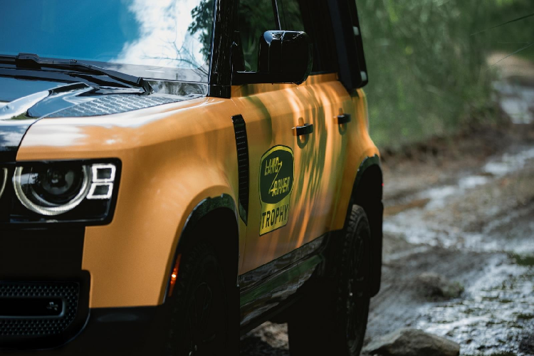 Land Rover Defender Trophy Edition - SUV off-road hon 6 ty dong-Hinh-4