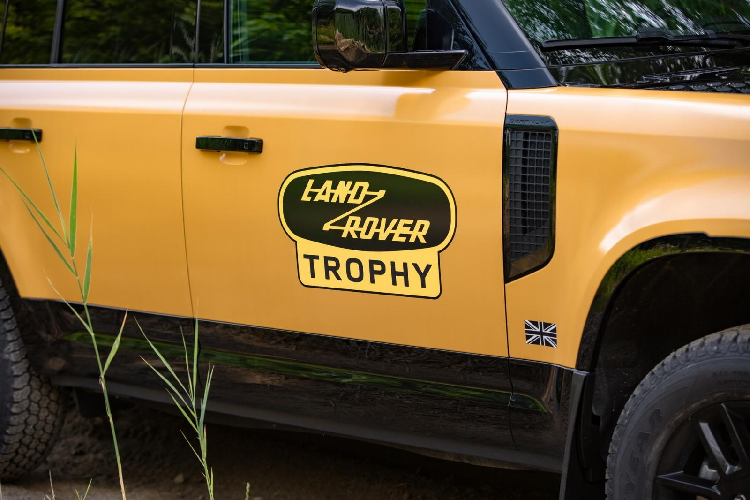 Land Rover Defender Trophy Edition - SUV off-road hon 6 ty dong-Hinh-5