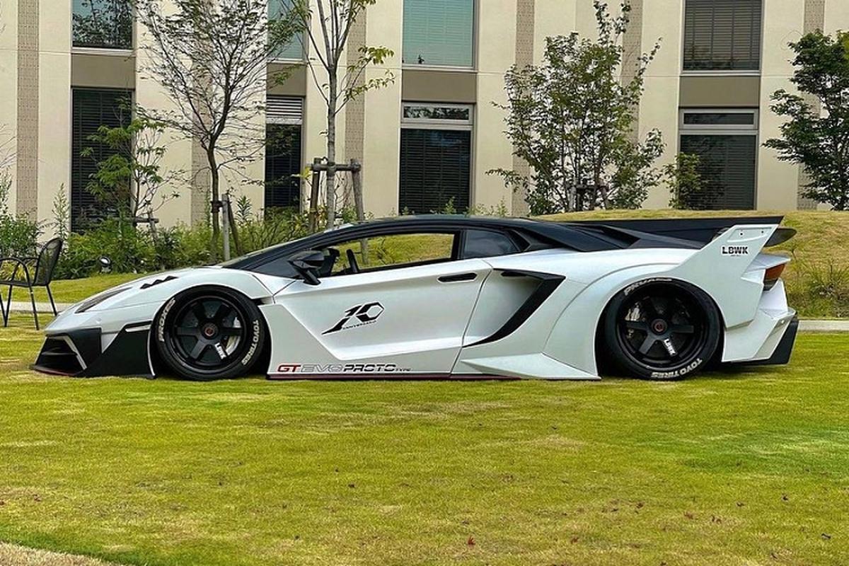 Ngam Lamborghini Aventador ban
