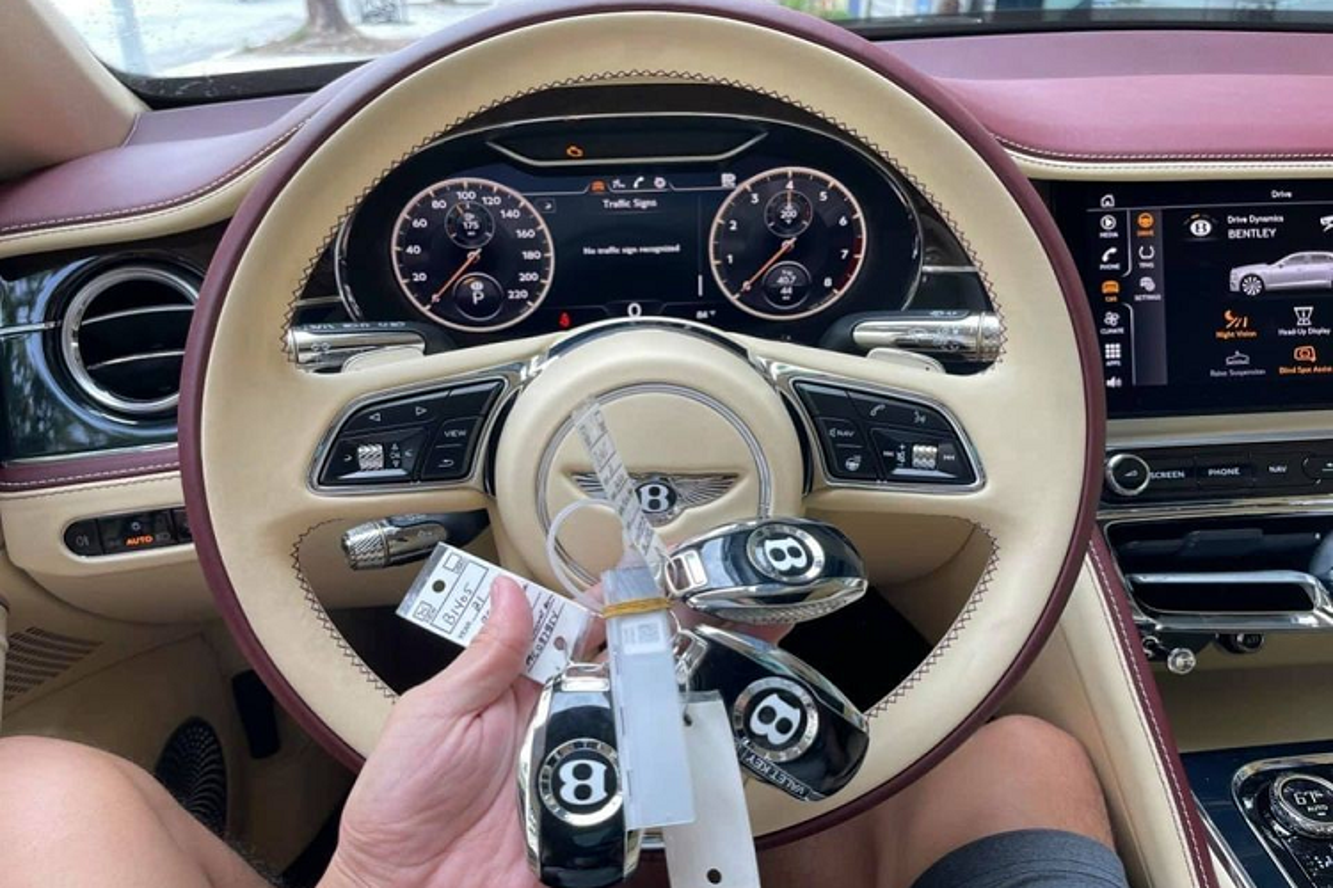Bentley Flying Spur V8 First Edition hon 20 ty, mau doc ve Ha Noi-Hinh-4