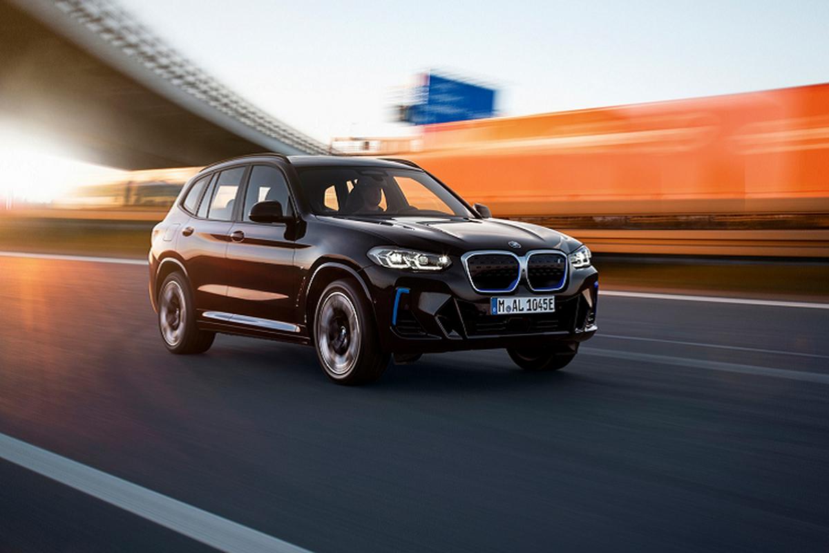 BMW iX3 2022 ban M Sport lo dien truoc ngay ra mat-Hinh-10