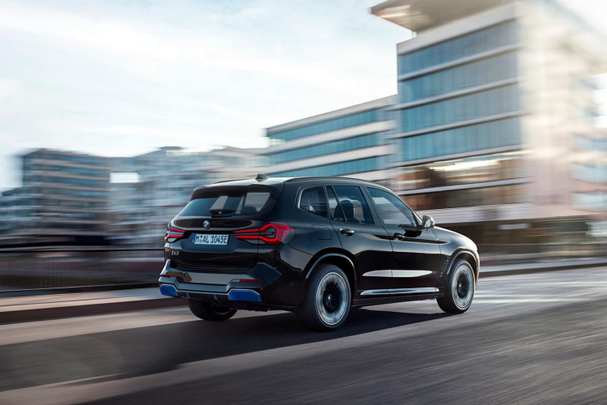 BMW iX3 2022 ban M Sport lo dien truoc ngay ra mat-Hinh-2