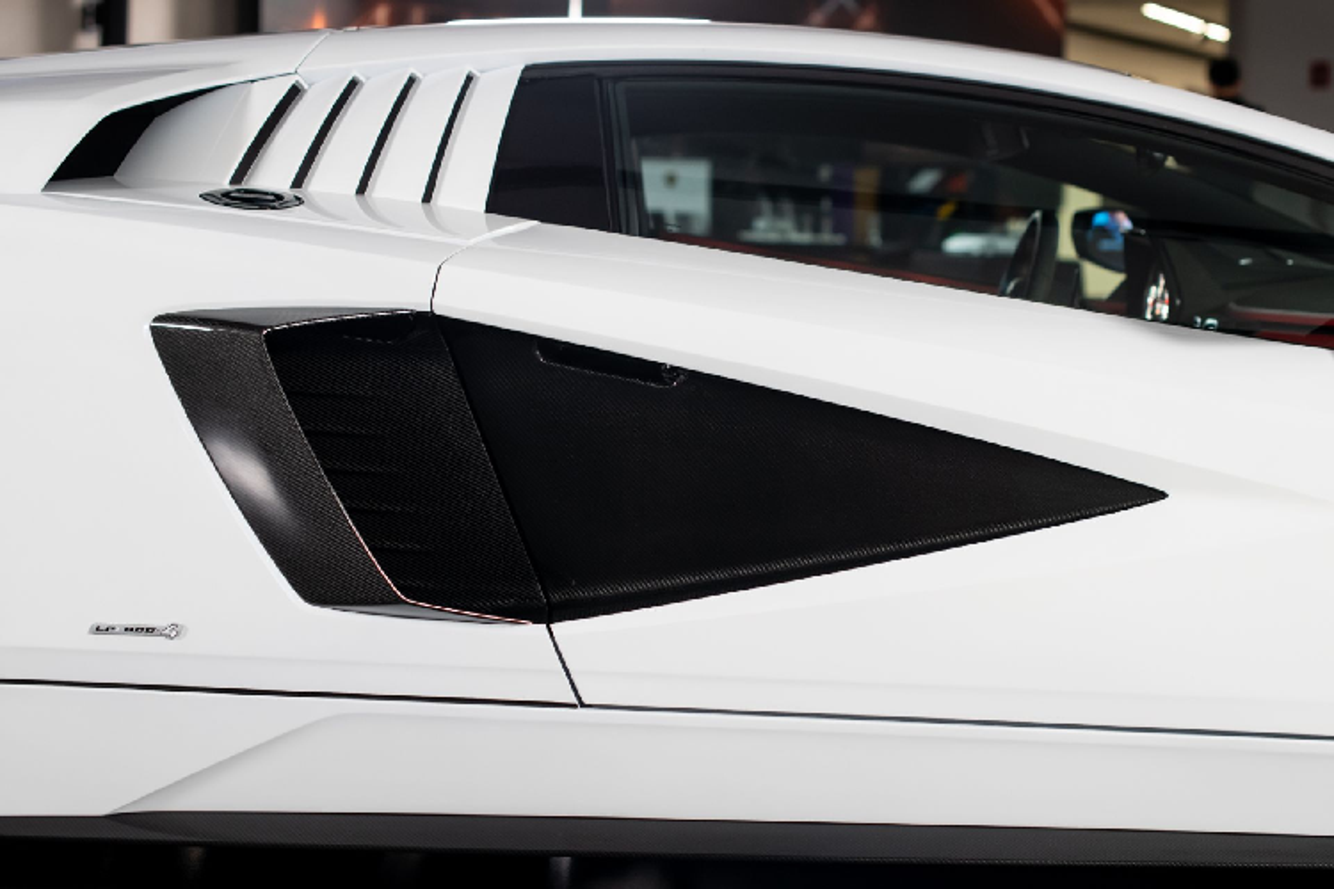 Chi tiet Lamborghini Countach LPI 800-4 2022 tu 79,9 ty dong-Hinh-8