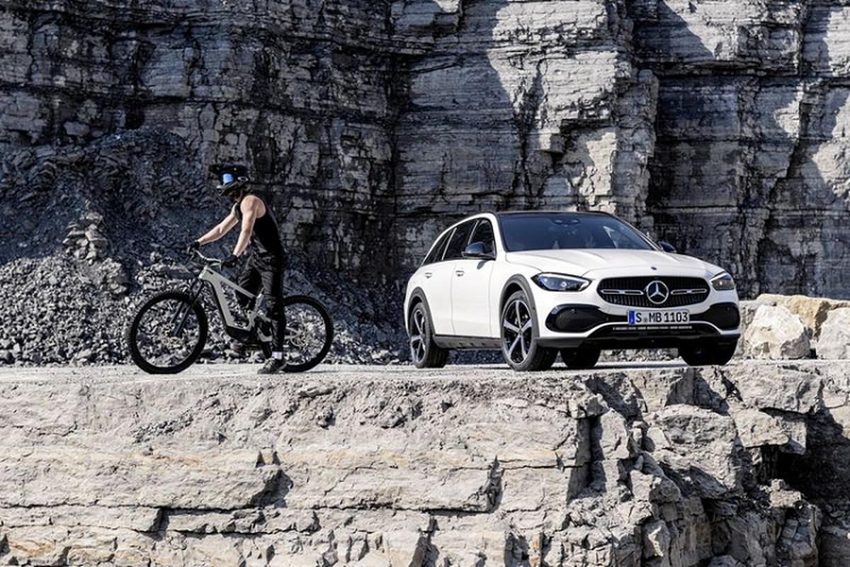 Mercedes-Benz C-Class All Terrain 2022 - xe wagon san sang off-road-Hinh-7