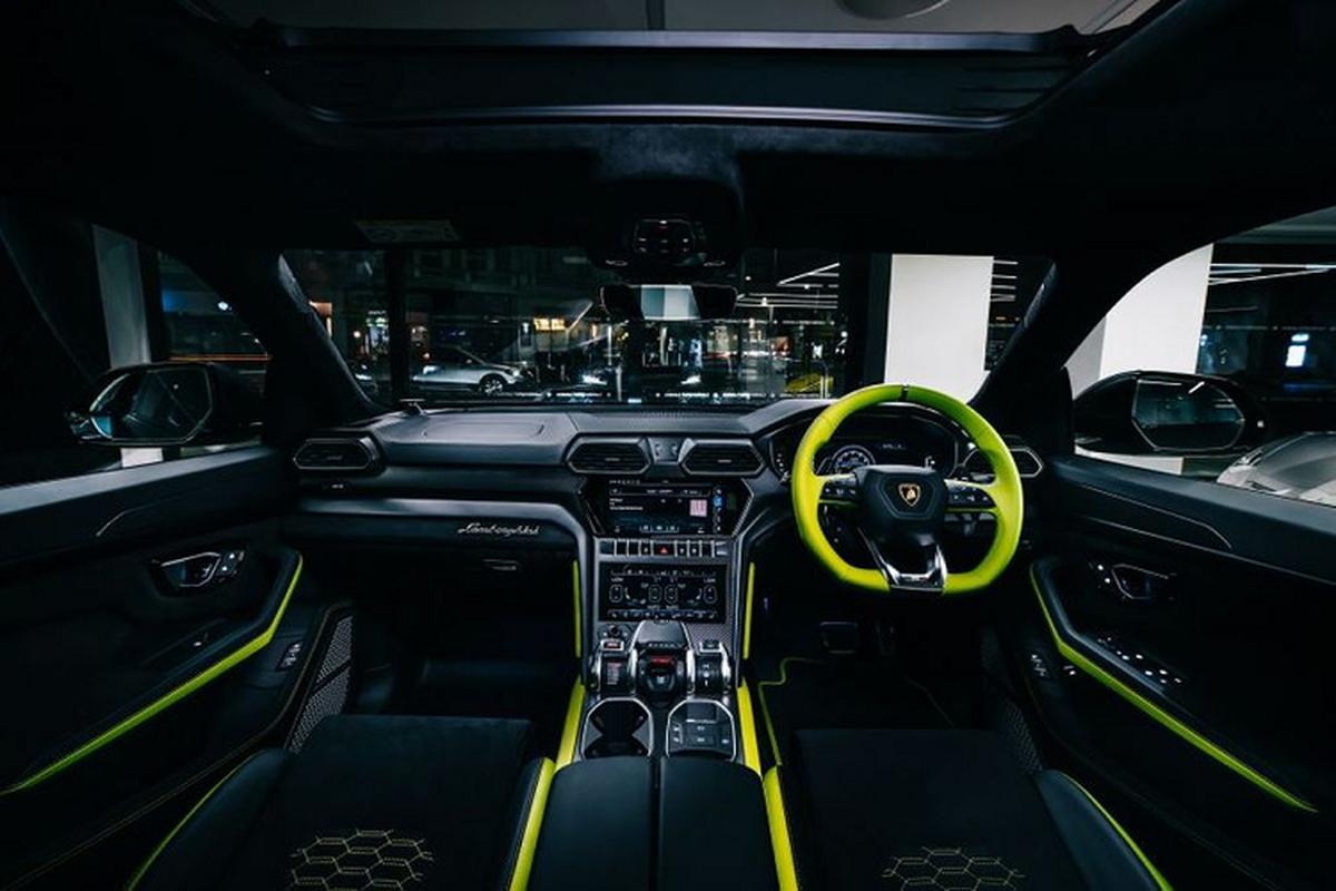 Sieu SUV Lamborghini Urus thu 15.000 duoc phoi mau dac biet-Hinh-3