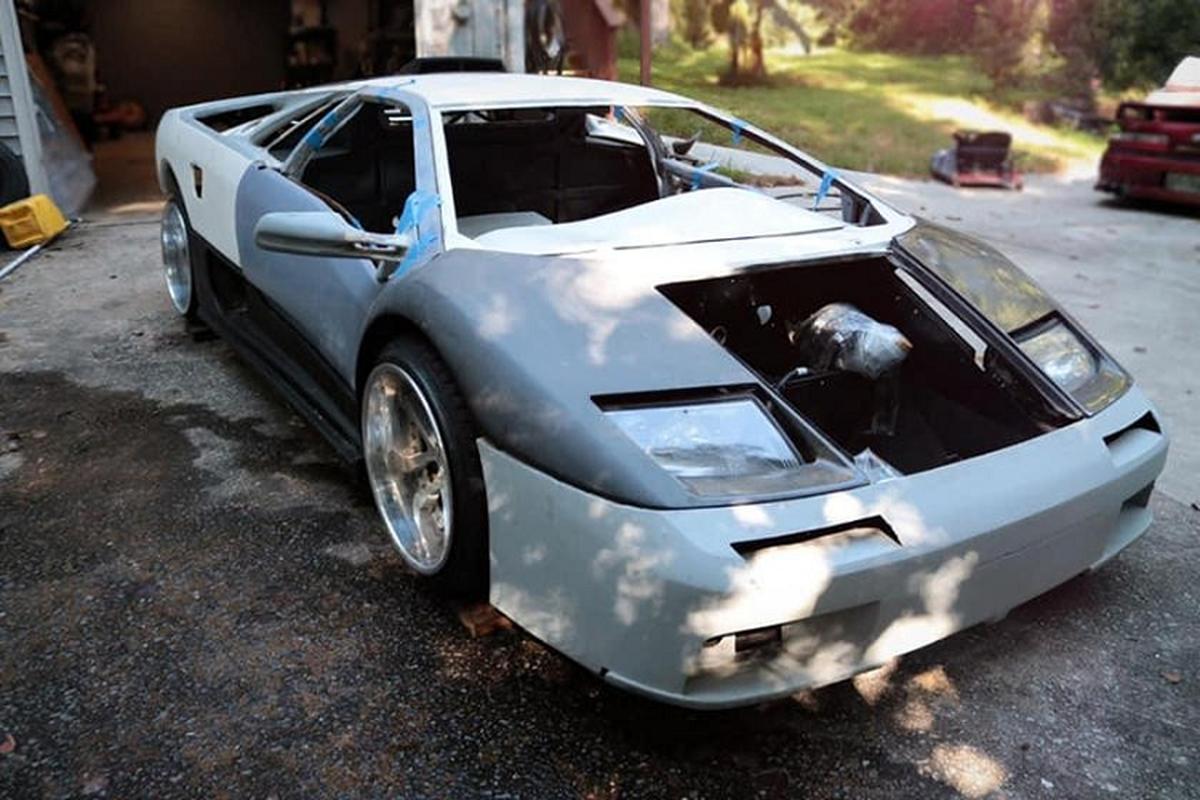 """Lamborghini Diablo """"nhai"""", khong dong co van rao ban gan 700 trieu dong-Hinh-3"""