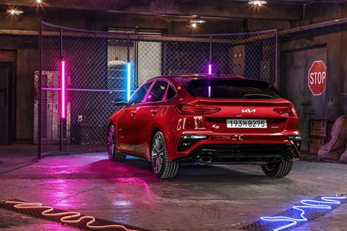 Kia K3 GT hatchback 2021 chi tu 520 trieu dong,