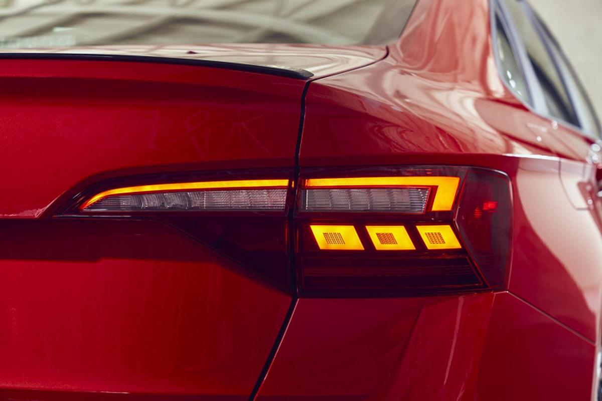 Volkswagen Jetta 2022 lot xac nhung gi de canh tranh Toyota Altis-Hinh-7