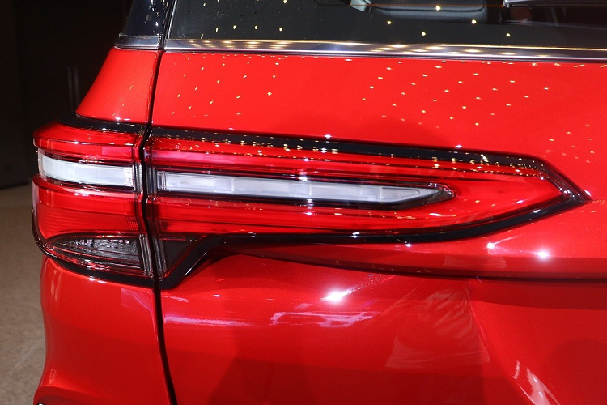 Toyota Fortuner GR Sport tu 1,3 ty tai Thai Lan, co ve Viet Nam?-Hinh-14