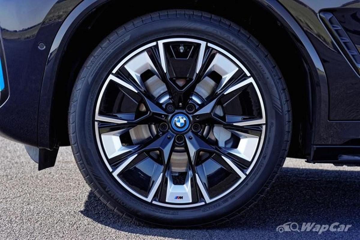 BMW iX3 2021 - SUV dien chay 460 km/mot lan sac den Mlaysia-Hinh-2