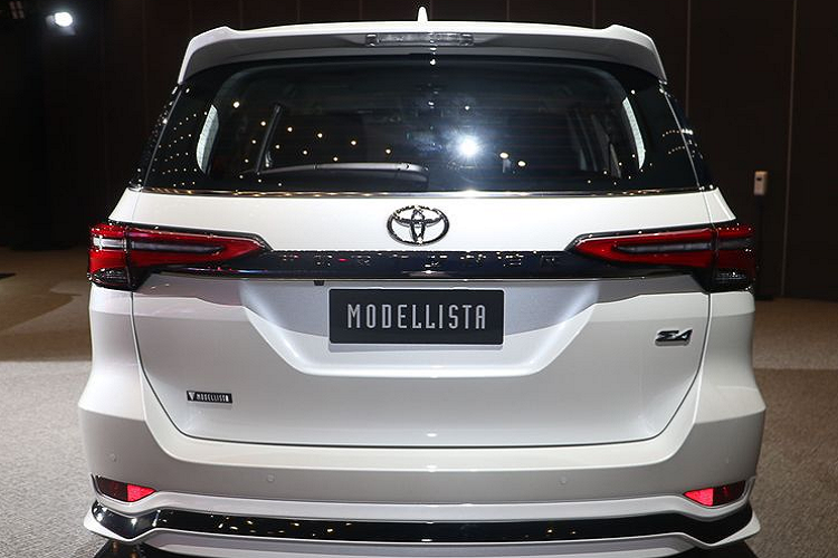 Toyota Fortuner Modellista nang cap