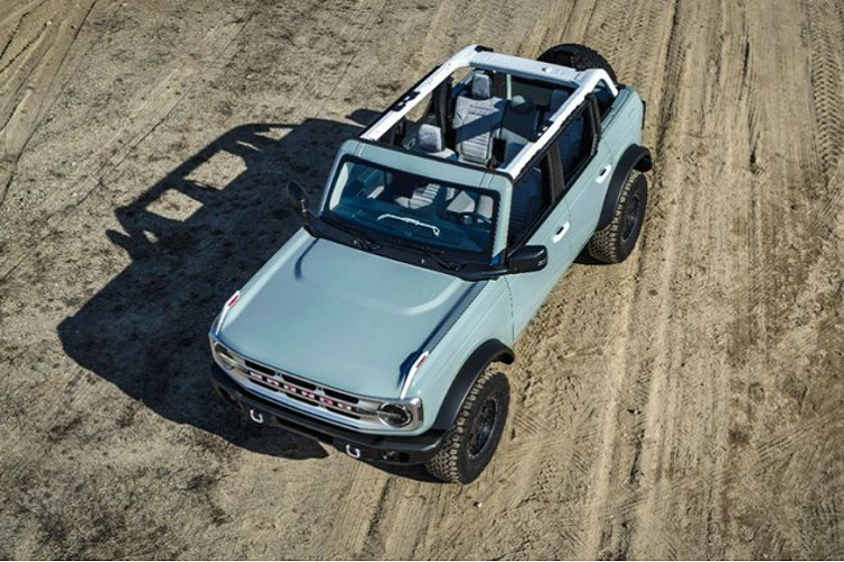 Ford Bronco 2022 chao ban tai Viet Nam toi hon 3,3 ty dong-Hinh-2