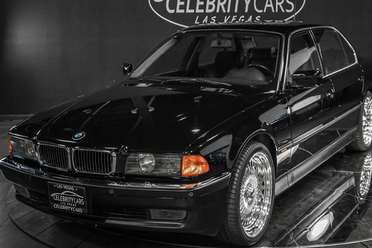 Chiec BMW 7-Series cua co rapper Tupac co gia 39,6 ty dong