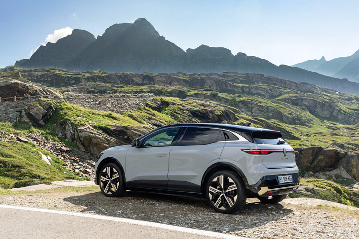 Renault Megane E-Tech 2022 - Crossover chay dien dam ca tinh-Hinh-9