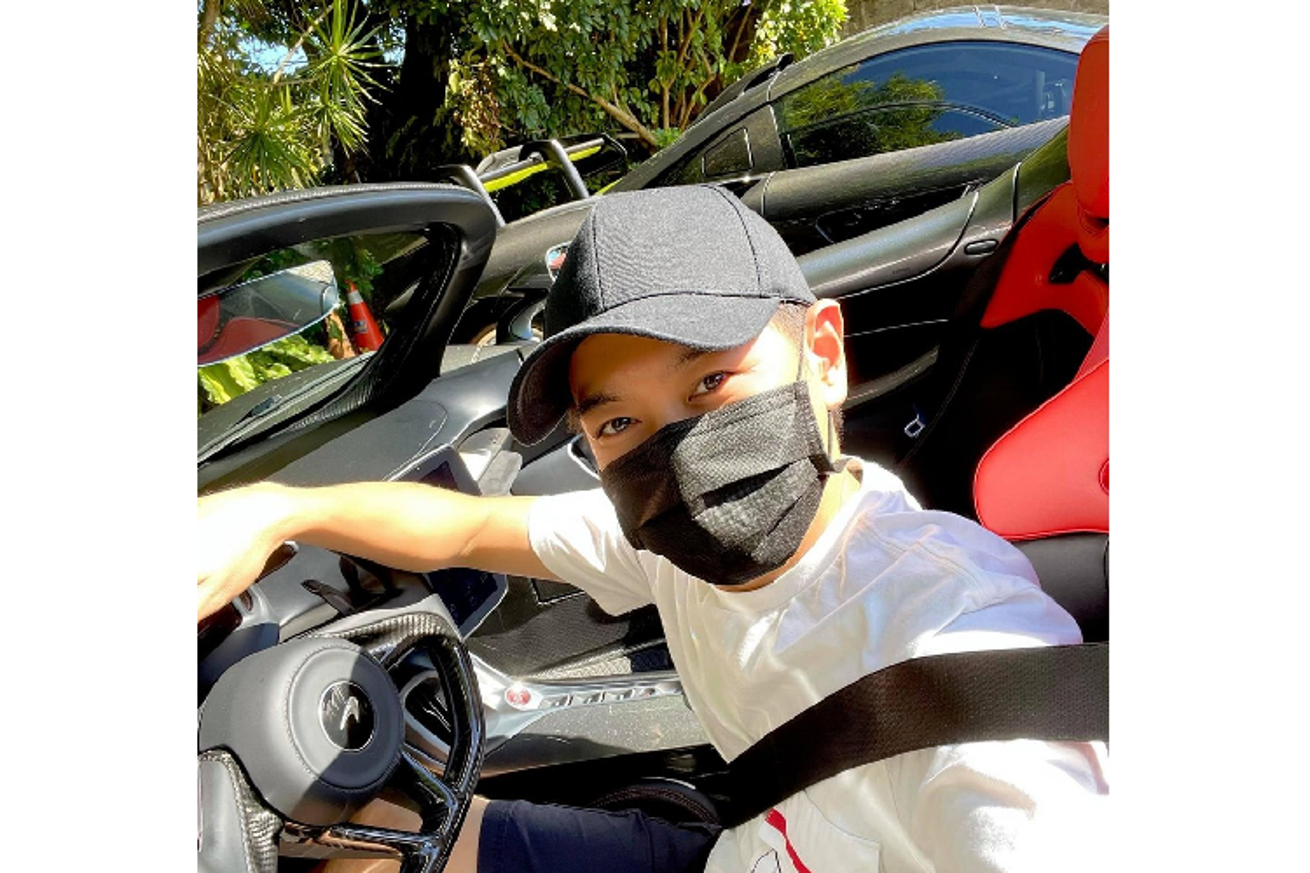 Lam Chi Dinh cam lai McLaren Elva, fan Doan Du o at