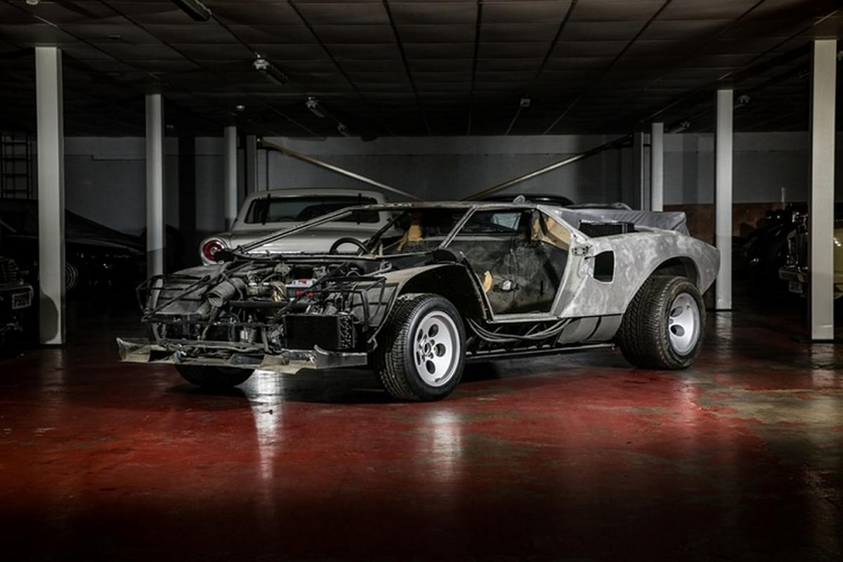 Lamborghini Countach bi thao tung, vut xo 13 nam ban 6 ty dong