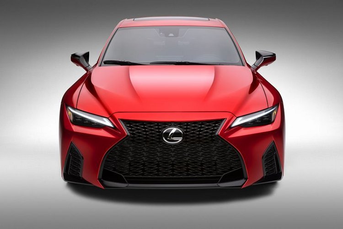 Lexus IS 500 F Sport Performance tu 1,28 ty dong, re hon BMW M3-Hinh-9