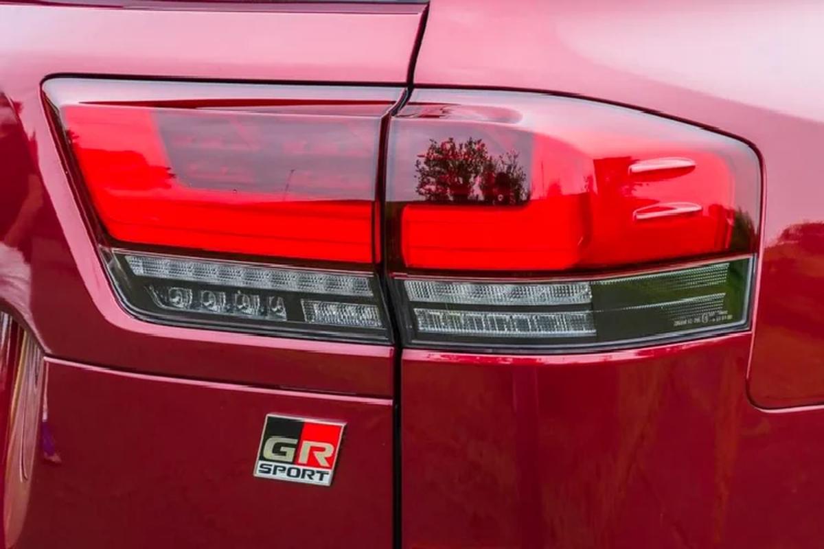 Toyota Land Cruiser GR Sport tu 1,61 ty dong, SUV chuyen offroad-Hinh-10